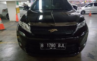 TOYOTA HARRIER 2.0 AT