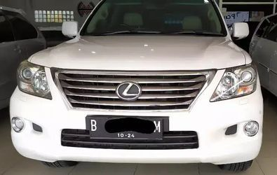LEXUS LX 570 AT