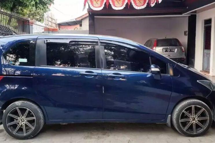 Honda Freed e 1.5 A/T