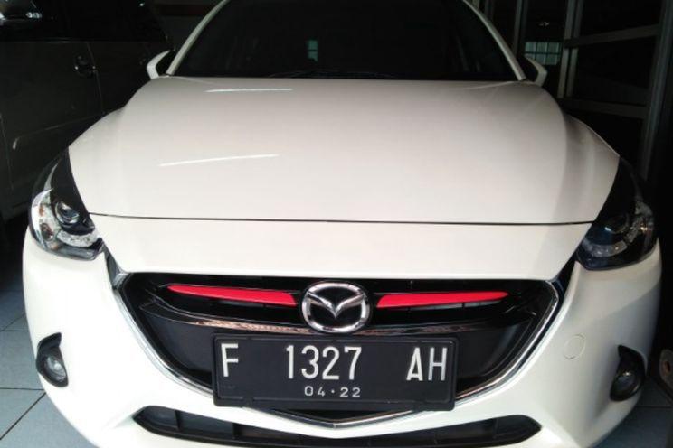 Mazda Mazda 2 v A/T