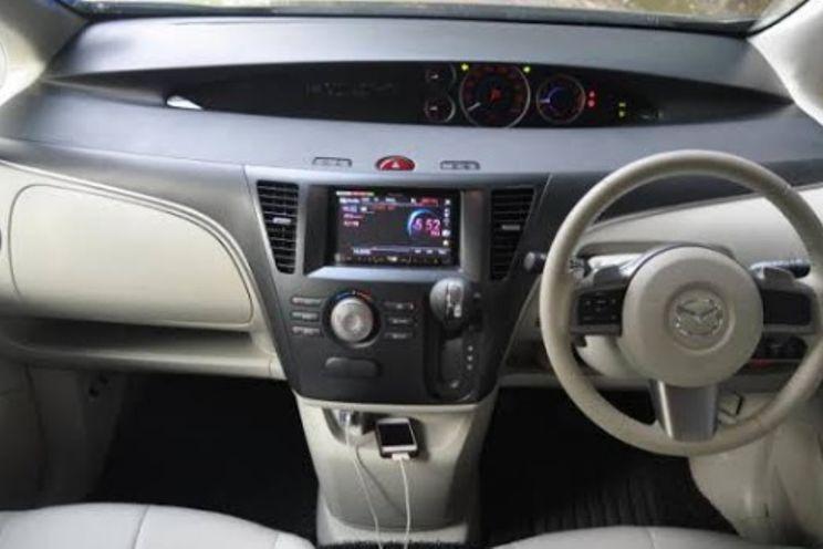 Mazda Biante 2.0 At