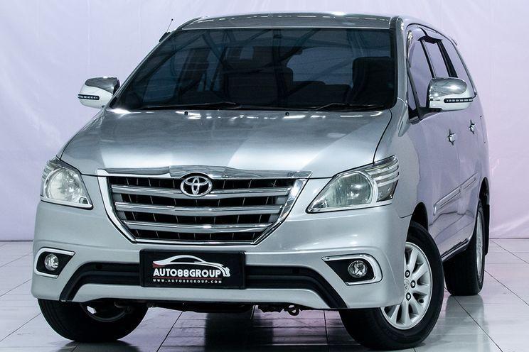 Toyota Innova e At