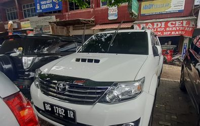 TOYOTA FORTUNER G 4X2 AT