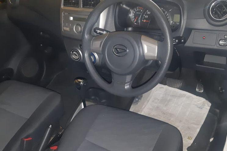 Daihatsu Ayla 1.0 x At Deluxe