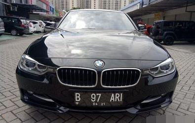 BMW 330I AT