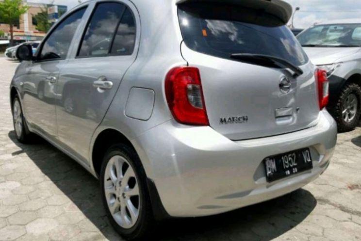 Nissan March 1.2l Mt