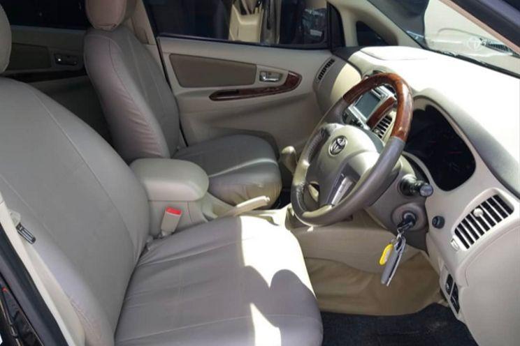 Toyota Innova v Manual Diesel