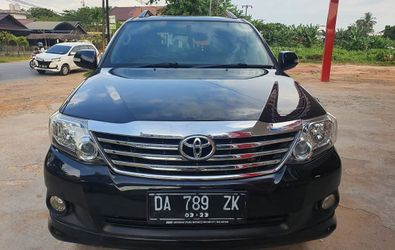 TOYOTA FORTUNER V 4X4 AT