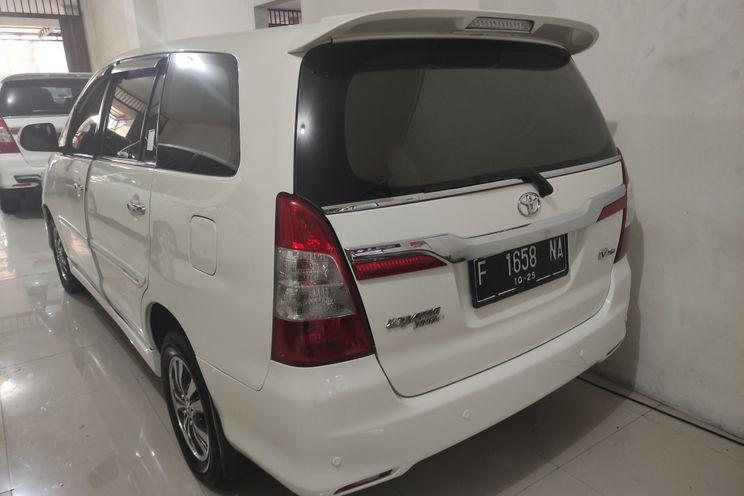 Toyota Innova v A/t Diesel