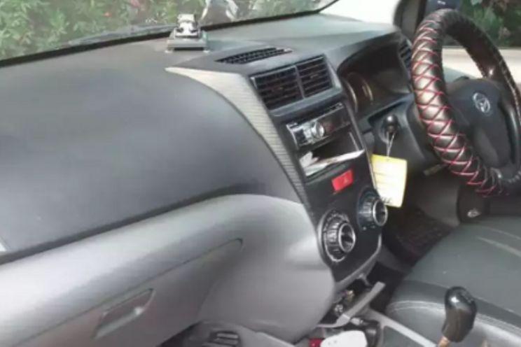 Daihatsu New Xenia 1.0 d Mt