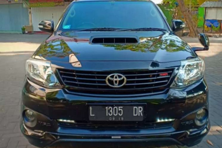 Toyota Fortuner 4x2 g At Trd