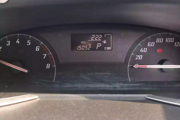 Toyota Sienta 1.5 V