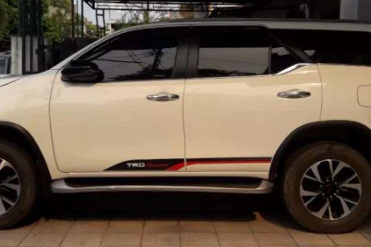Toyota Fortuner 2.4vrzatdsl