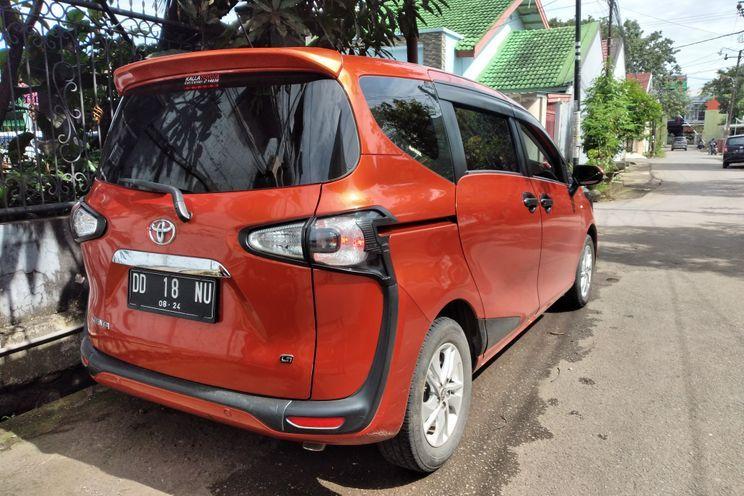 Toyota Sienta 1.5 g Cvt