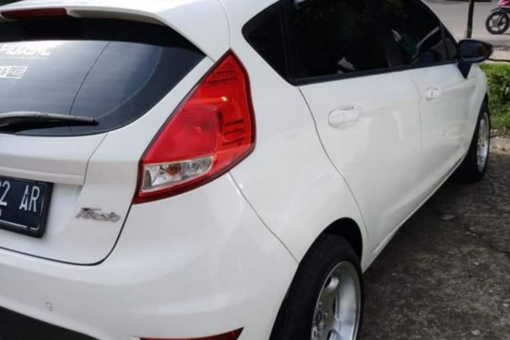 Ford Fiesta/trend M/t