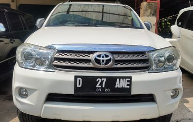 TOYOTA FORTUNER 4X2 G AT DIESEL