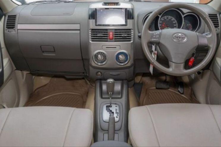 Toyota Rush s Vvti A/T