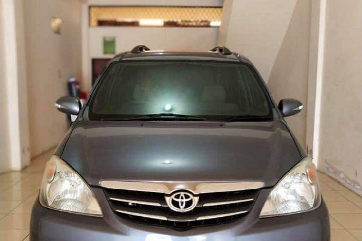 Toyota Avanza S