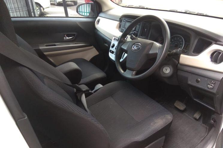 Daihatsu Sigra 1.2 r At Dlx