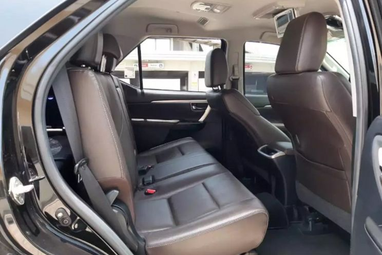 Toyota Fortuner 2.4 At