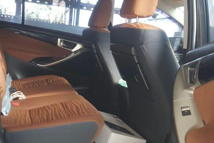 Toyota Innova v M/t Bensin