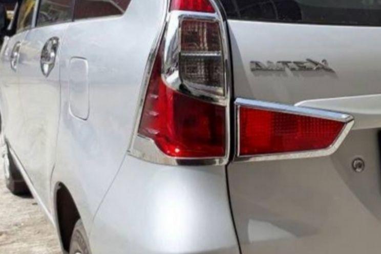 Daihatsu Xenia 1000 Dlx