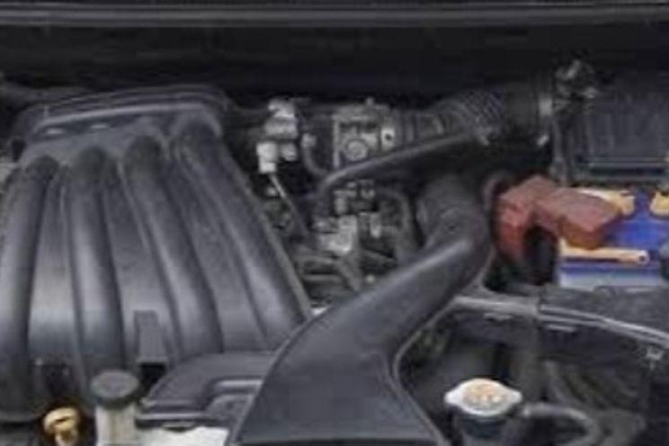 Nissan Grand Livina 1.5 M/t Xv