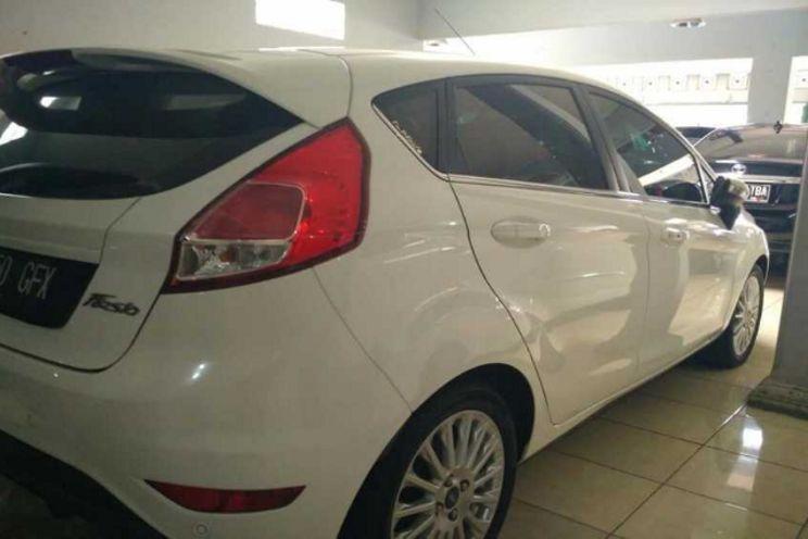 Ford Fiesta/Trend 1.5l At