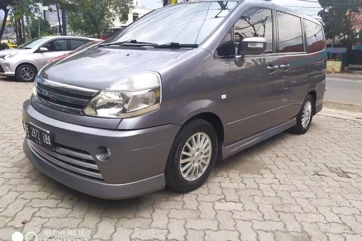 Nissan Serena Highway 2.0 A/T