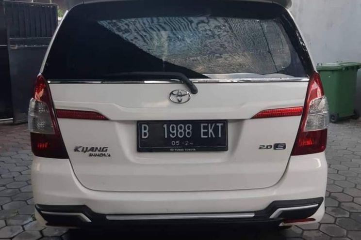 Toyota Innova e Manual Bensi