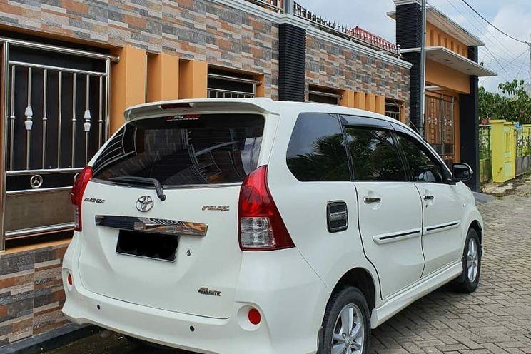Toyota Avanza Veloz 1.5 At