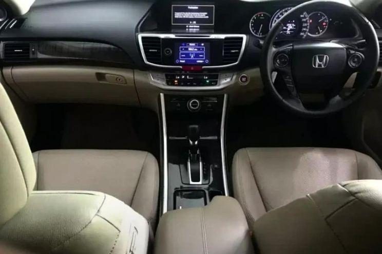 Honda Accord Vti l 2.4 A/T