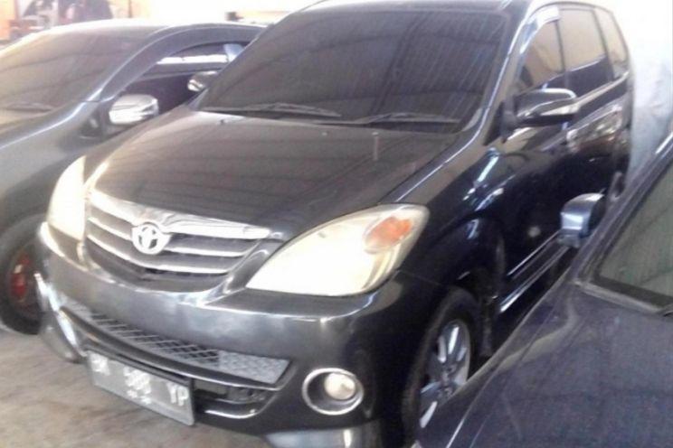 Toyota Avanza s Vvt i A/T