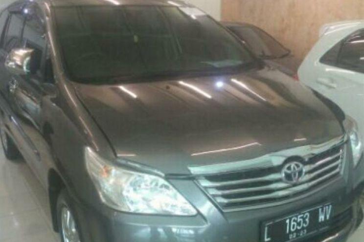 Toyota Innova e Deluxe 2000