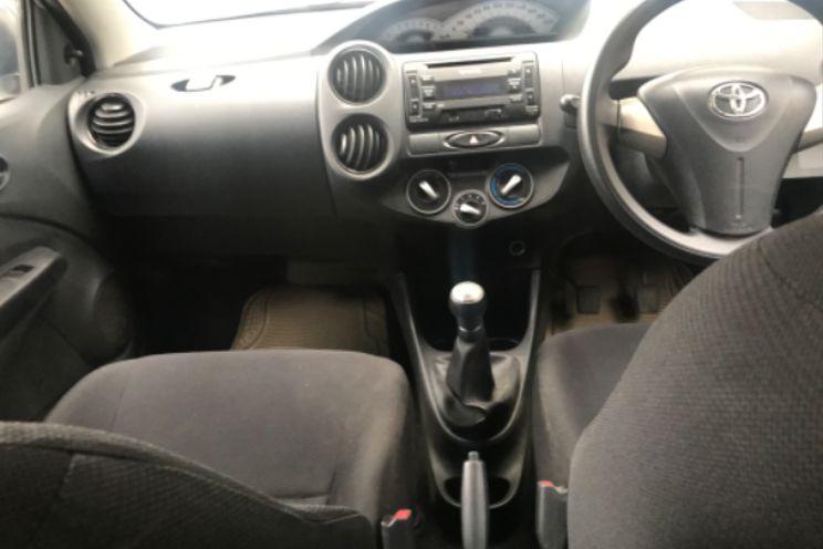 Toyota Etios Valco e 1.2 j Mt