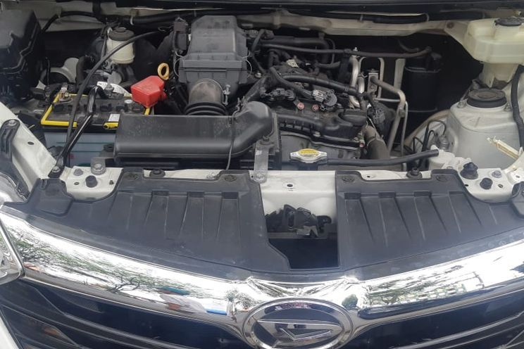 Daihatsu Great New Xenia r Mt Std