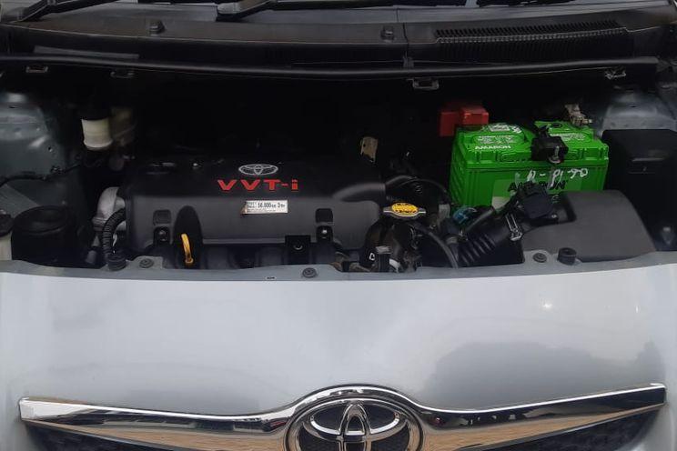 Toyota Yaris 1.5 e A/T