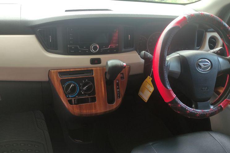 Daihatsu Sigra 1.2 r At